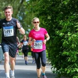 Helsinki Half Marathon - Risto Nipuli (1491), Tuula Lassila (2697)