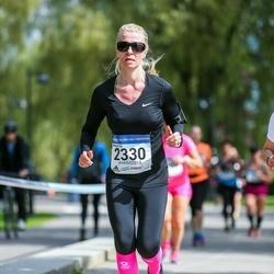 Helsinki Half Marathon - Minna Ulan (2330)
