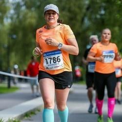 Helsinki Half Marathon - Carola Rahkola (1786)