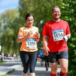 Helsinki Half Marathon - Matti Lehmusmies (1094), Marjut Lehmusmies (1095)
