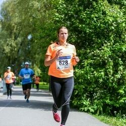 Helsinki Half Marathon - Nina Klemetti (828)