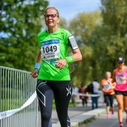 Helsinki Half Marathon - Susanna Lainio (1049)
