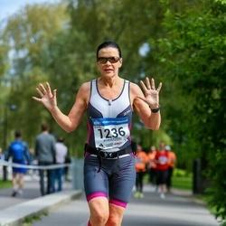 Helsinki Half Marathon - Anne Luukkonen (1236)