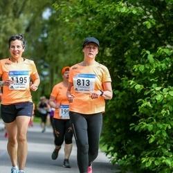 Helsinki Half Marathon - Kaisa Kirves (813), Pia Lindström (1195)