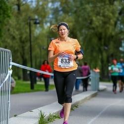 Helsinki Half Marathon - Laura Koistinen (833)