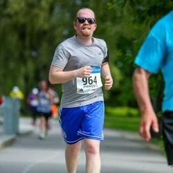 Helsinki Half Marathon - Miika Kunnas (964)
