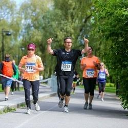 Helsinki Half Marathon - Pekka Tuomi (2292), Minna Paananen-Porkka (2770)