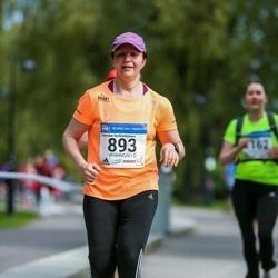 Helsinki Half Marathon - Kirsi Korpaeus (893)