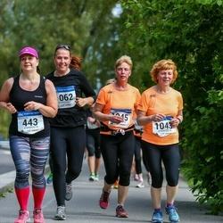 Helsinki Half Marathon - Mervi Herrala (443), Sirke Laine (1043), Anu Laine (1045), Hanna Lamroth (1062)