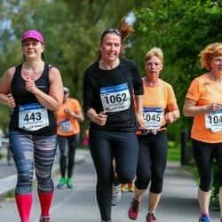 Helsinki Half Marathon - Mervi Herrala (443), Hanna Lamroth (1062)