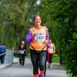 Helsinki Half Marathon - Susanna Röpelinen (1923)