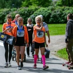 Helsinki Half Marathon - Tanja Halminen (360), Clarissa Vepsäläinen (1803)
