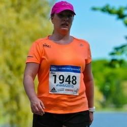 Helsinki Half Marathon - Jenni Sahinoja (1948)