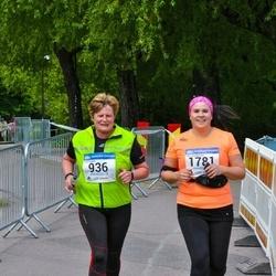 Helsinki Half Marathon - Annamaija Kuikka (936), Veera Raatikainen (1781)