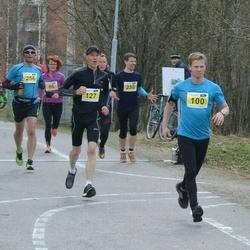 Helsinki Spring marathon - Timo Sipilä (100), Marko Halmeenpää (127)