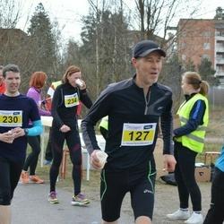 Helsinki Spring marathon - Marko Halmeenpää (127), Waltteri Turunen (230)