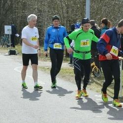 Helsinki Spring marathon - Tatu-Paulus Mäkimartti (83), Veikko Heikkilä (151), Erkki Itkonen (211), Seppo Mäenpää (213)