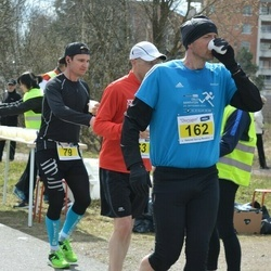 Helsinki Spring marathon - Matti Väisänen (79), Peter Blomster (162)