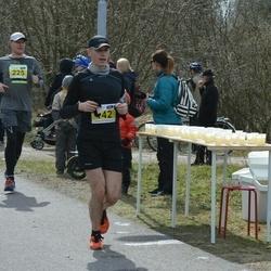 Helsinki Spring marathon - Jari Råman (142), Jarkko Liuska (225)