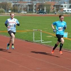 Helsinki Spring marathon - Johannes Rottner (1004), Mikko Pihlajavesi (1090)