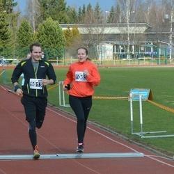 Helsinki Spring marathon - Vesa Puisto (1013), Susanna Puisto (1063)