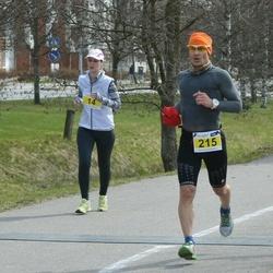 Helsinki Spring marathon - Sarianne Fisk (14), Jani Rintala (215)