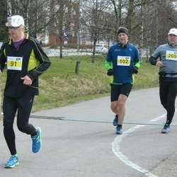 Helsinki Spring marathon - Tero Mäenpää (91), Håkan Nystrand (102), Niilo Oikarinen (269)