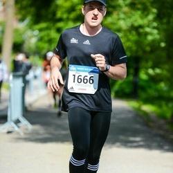 Helsinki Half Marathon - Onni Niemelä (1666)