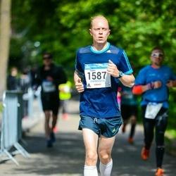 Helsinki Half Marathon - Tuomo Miettinen (1587)