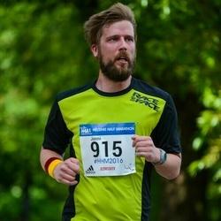 Helsinki Half Marathon - Jonni Johansson (915)