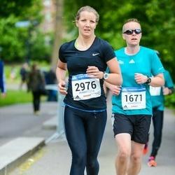 Helsinki Half Marathon - Juha Niemi (1671), Leena Peltonen (2976)