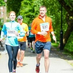 Helsinki Half Marathon - Antti Enkovaara (537), Betsy Enkovaara (1097)