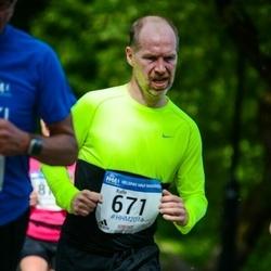 Helsinki Half Marathon - Kalle Hartzell (671)