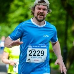 Helsinki Half Marathon - Henri Sipilä (2229)