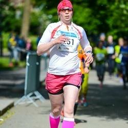 Helsinki Half Marathon - Riikka Kuusimäki (1251)
