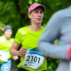 Helsinki Half Marathon - Siiri Saarinen (2101)