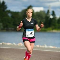Helsinki Half Marathon - Laura Mäenpää (1649)