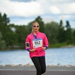 Helsinki Half Marathon - Riikka Järvinen (952)