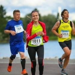 Helsinki Half Marathon - Sanni Karjalainen (1011)