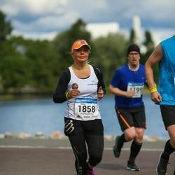 Helsinki Half Marathon - Minna Perkiö (1858)