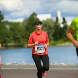 Helsinki Half Marathon - Paula Jurvanen (937)