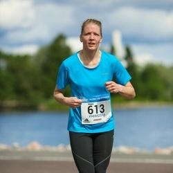 Helsinki Half Marathon - Heini Grönlund (613)
