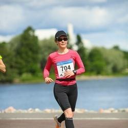 Helsinki Half Marathon - Suvi Heiskanen (704)