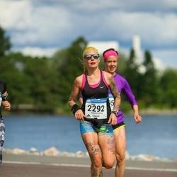 Helsinki Half Marathon - Emilia Suhonen (2292)