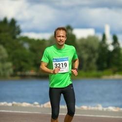 Helsinki Half Marathon - Thomas Slotte (3219)