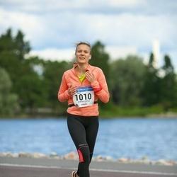 Helsinki Half Marathon - Jenni Karjalainen (1010)
