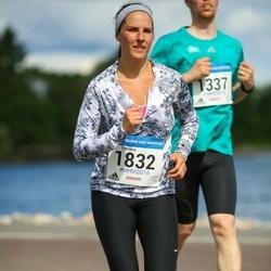 Helsinki Half Marathon - Eveliina Pekkala (1832)