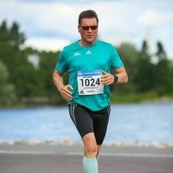 Helsinki Half Marathon - Veli-Pekka Karstela (1024)