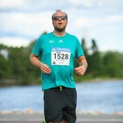 Helsinki Half Marathon - Rikhard Manninen (1528)