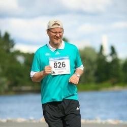 Helsinki Half Marathon - Harri Hypén (826)